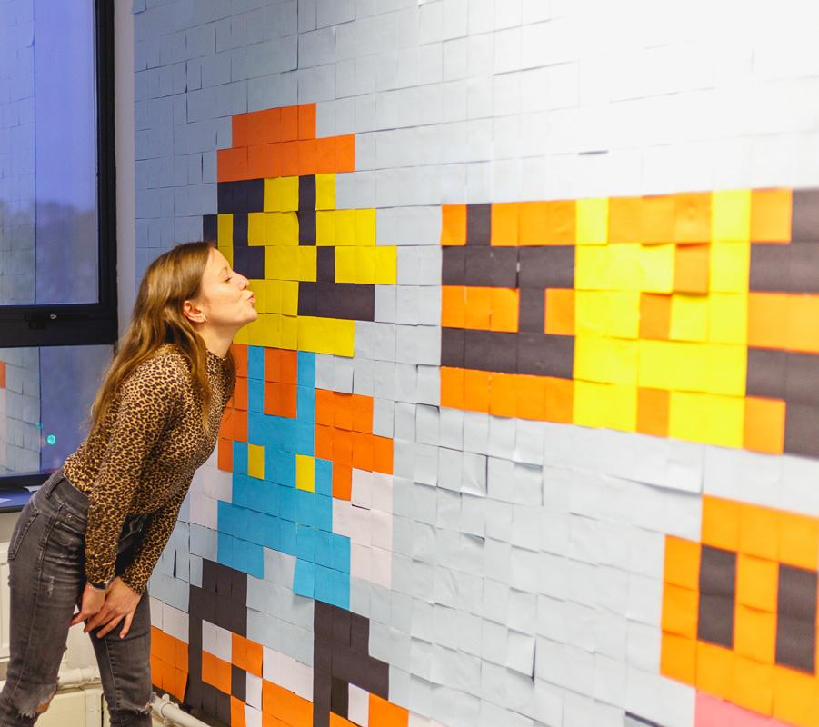 Mario Kunstwerk aus über 6000 Haftnotizen